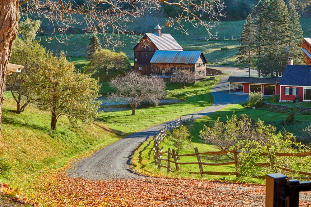 things to do in woodstock VT header - Sleepy Hollow Farm at sunny autumn day in Woodstock, Vermont, USA