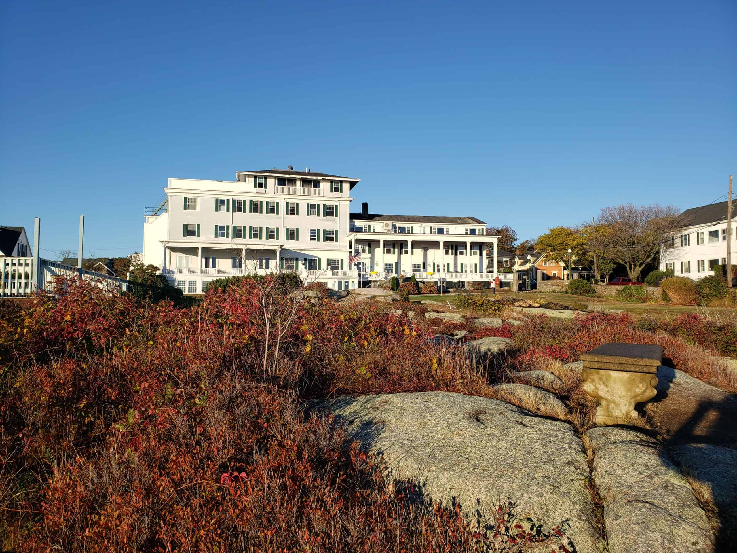 emerson inn rockport ma - view of historic new england inn from rocky garden