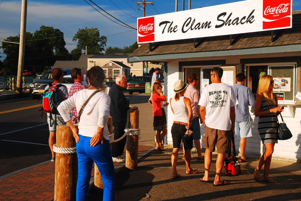 People lined up at a walk-up restaurant called the clam shack, best restaurants in Kennebunkport